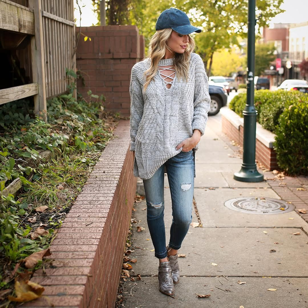 Take it easy this fall with chunky knits and chic ball caps! ☺️ {Swiss Alps Getaway Sweater $59, Impossible Bootie by @seychellesshoes $158, Rise and Shine Ankle Skinny $42, Faded Favorite Hat $15} #shopimpressions #seychellesshoes #fallstyle #sweaterweather
