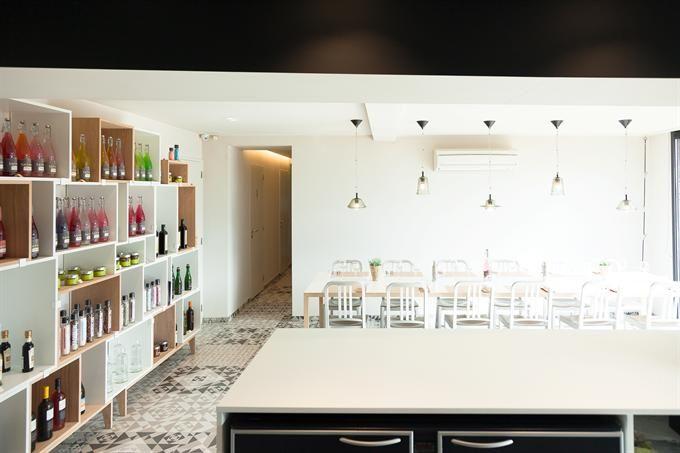 Retrouvez le mobilier fourni par Parallèle mobilier et cuisine