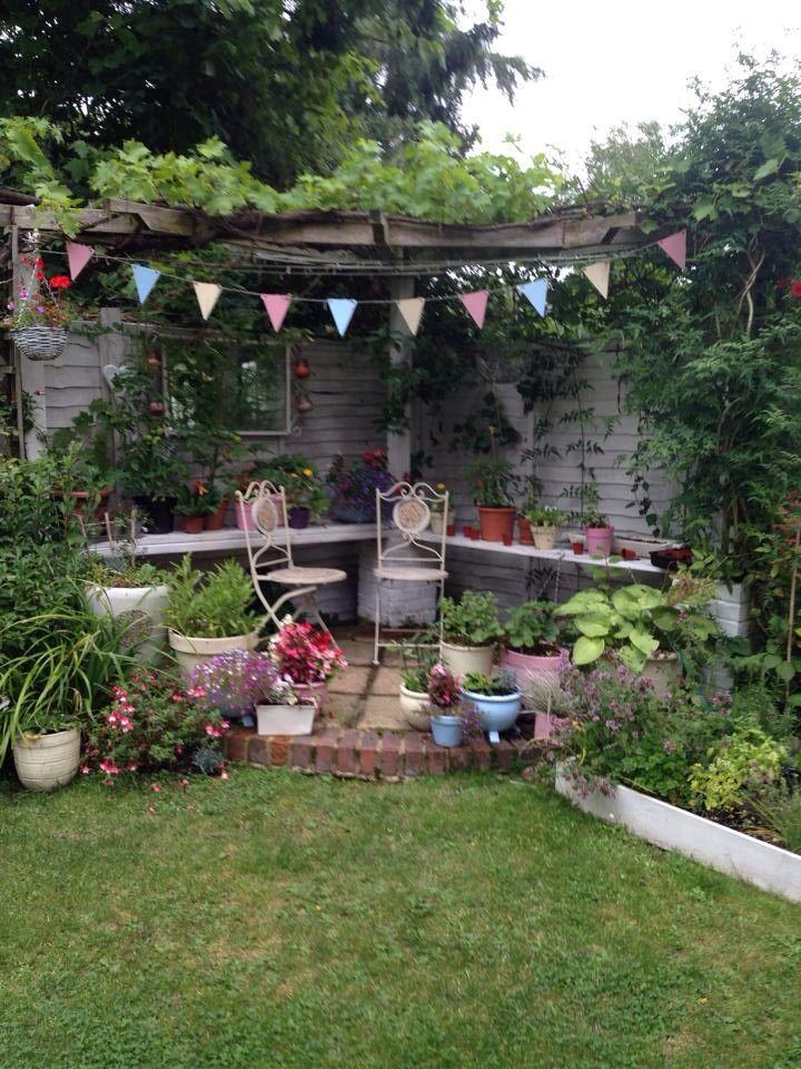 Country corner | Lanterns | Backyard garden design ...