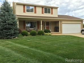 Property 34238 Tudor Crt Sterling Heights Mi 48312 Mls 215083731 Wow What A Beauty Original Owners Have Taken Great C Real Estate Realty House Styles