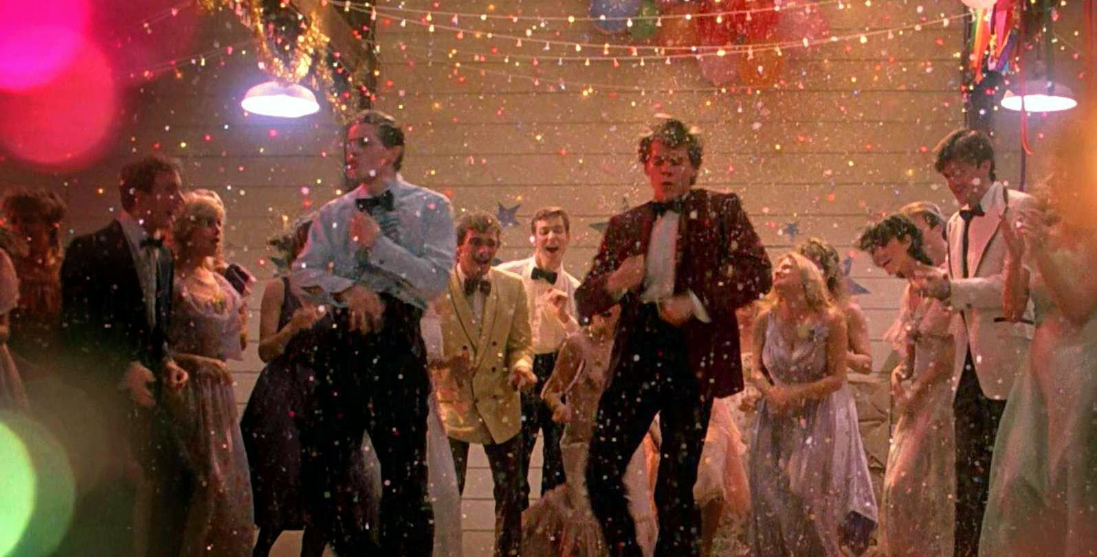 Manic Monday - Footloose (1984) Final Dance Scene | Most popular wedding  songs, Popular wedding songs, Popular wedding dance songs