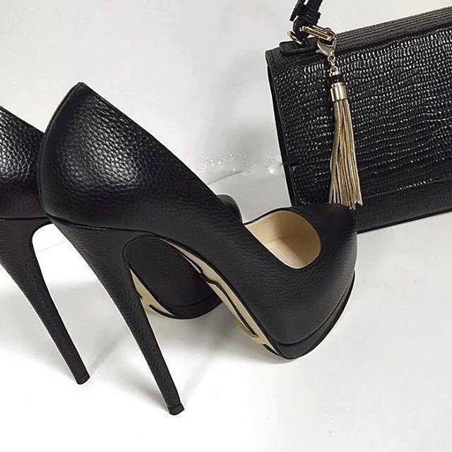 Black Heels Black Bag #fashion #fashiondiaries #туфли #iloveshoes #fashionaddict #sandal #instaheels #heels #bag
