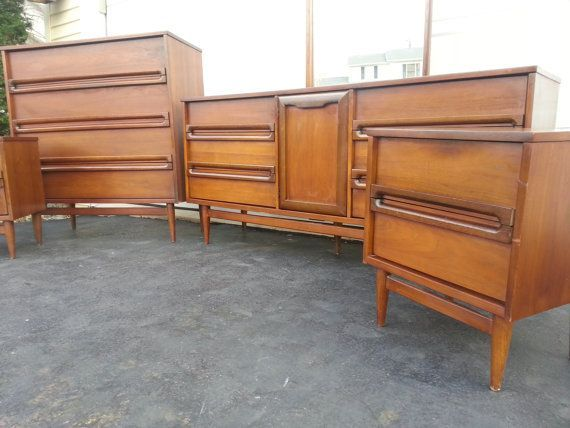 SOLD 5pc Walnut Bedroom Set Mid Century Modern By Bassett Industries