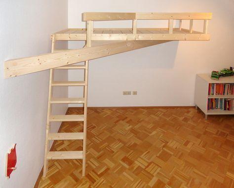 Hochbett, Hochebene, Kleiderschrank in Berlin Neukölln
