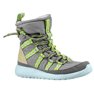 sports shoes 1b52f 8d402 Nike Roshe Run Hi Sneakerboot- keep your feet warm and looking good!