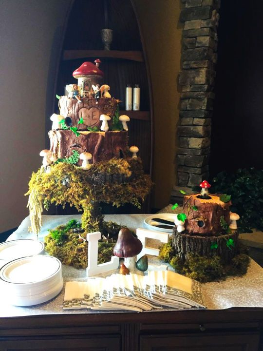 An Enchanted Forest Wedding Cake Pinteres