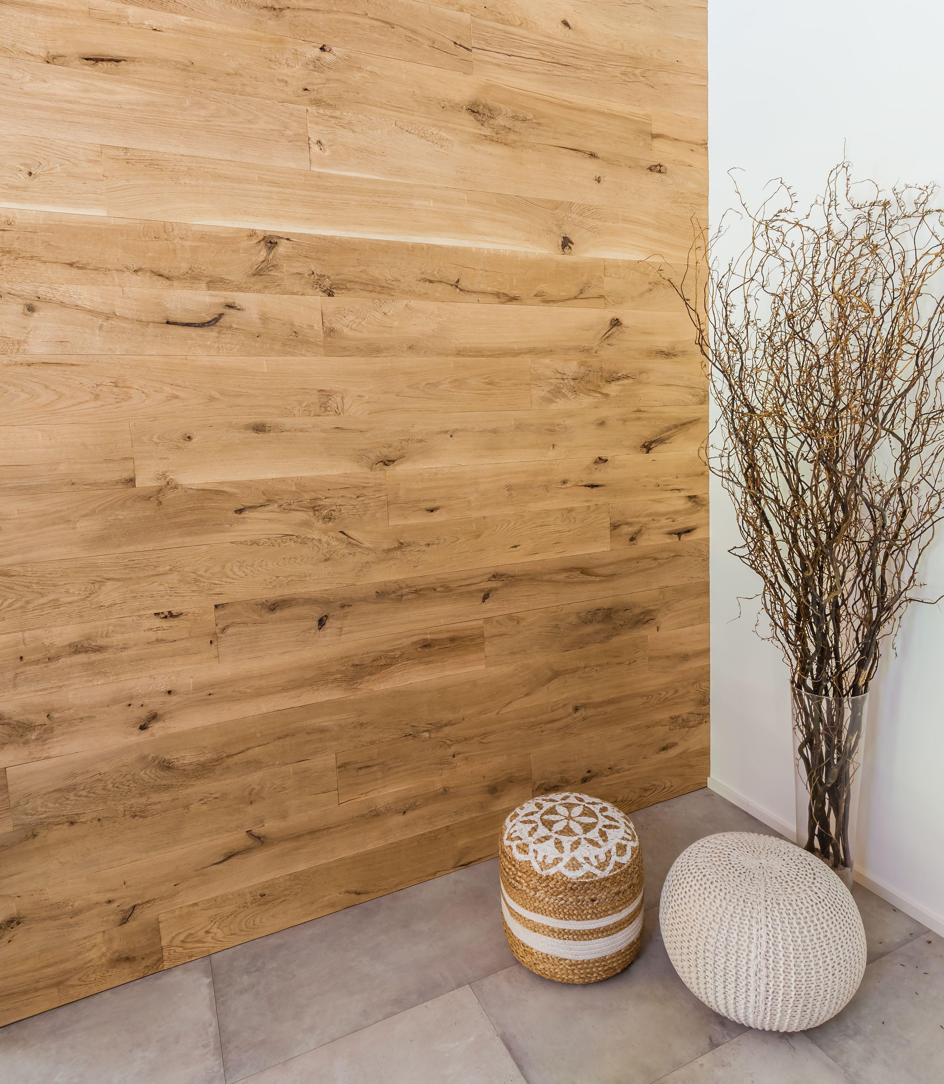 Das Josefsbrett Eiche Profilholz Chalet Ist Eine Preisgunstige Alternative Zu Echtem Altholz Und Uberzeugt Mit Sei Altholz Holz Wohnzimmer Wandverkleidung Holz