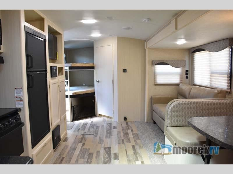 New 2018 Winnebago Industries Towables Ultralite 27bhss Travel
