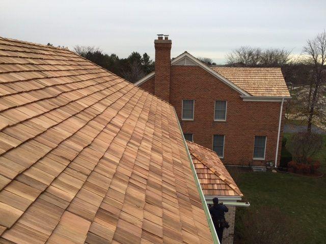 Best Cedar Shake Roofing Contractor 847 827 1605 Cedar 400 x 300