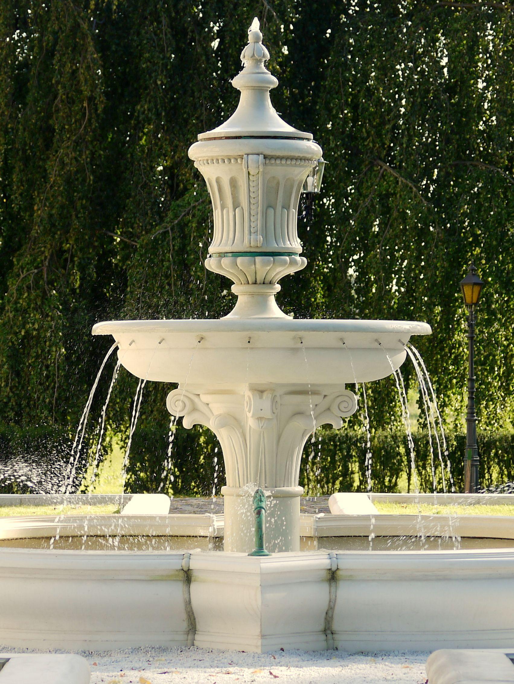 Garten springbrunnen trax matthies brunnen fountain for Garten springbrunnen