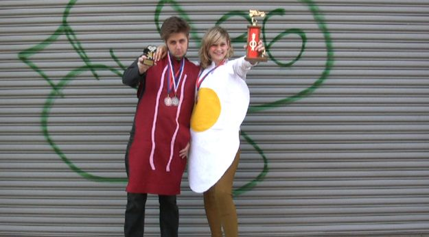 DIY Bacon & Egg Costume via @BuzzFeed