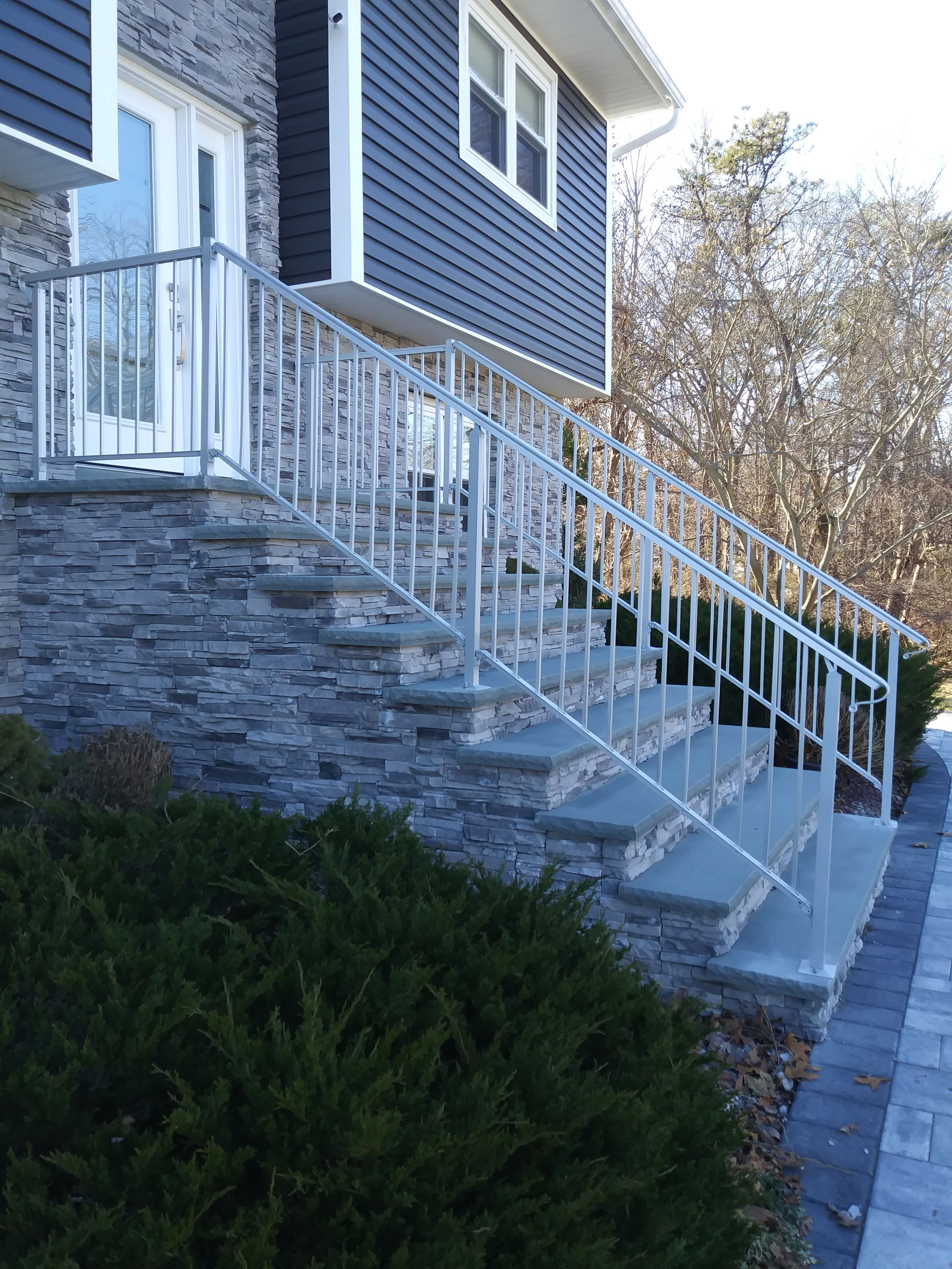 Best Custom Aluminum Anodized Exterior Handrails On Home's 640 x 480