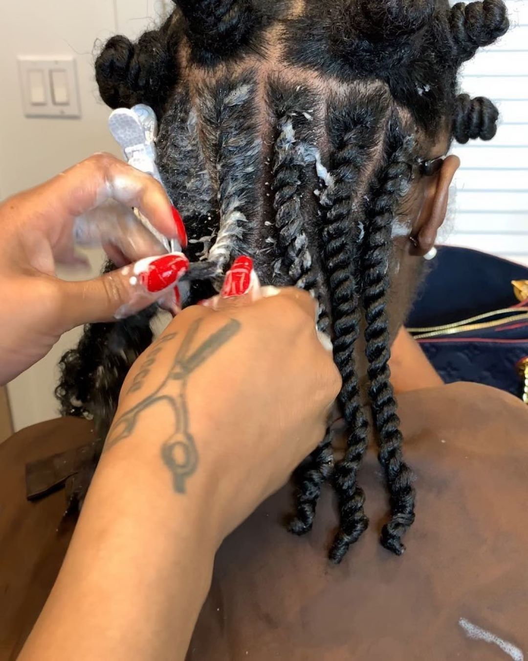 Do You Use Hair Mousse Or Creams When You Re Twisting Your Hair Inquiringmindswouldlovetoknow Flattwi Hair Mousse Natural Hair Styles Curly Hair Mousse