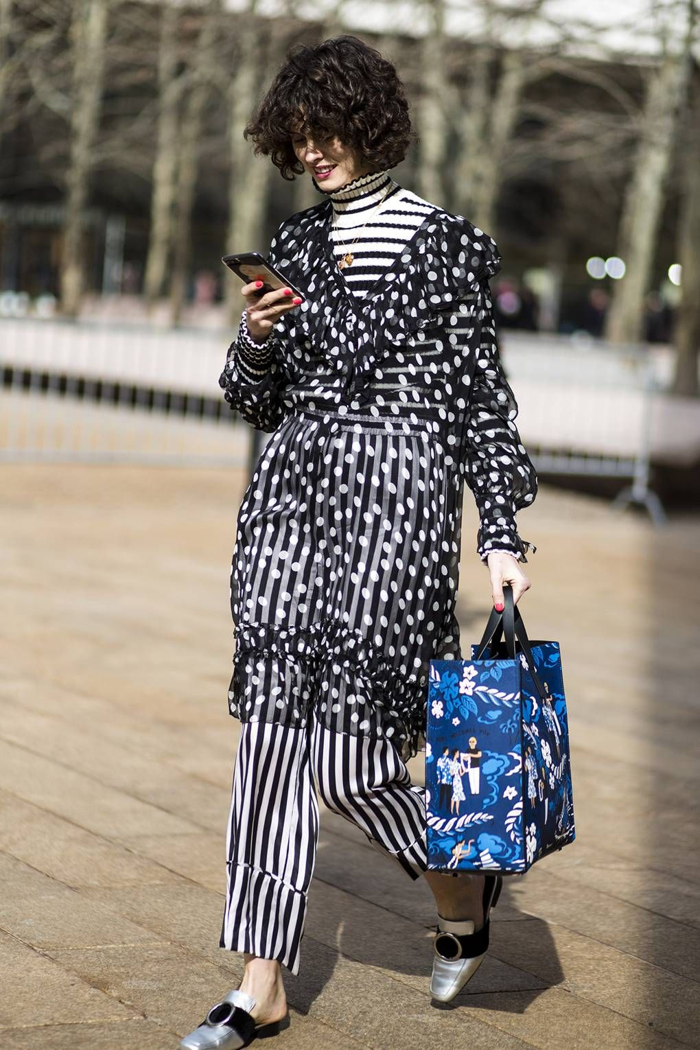 37dc614777 How To Wear The Street Style Trend for Stripes