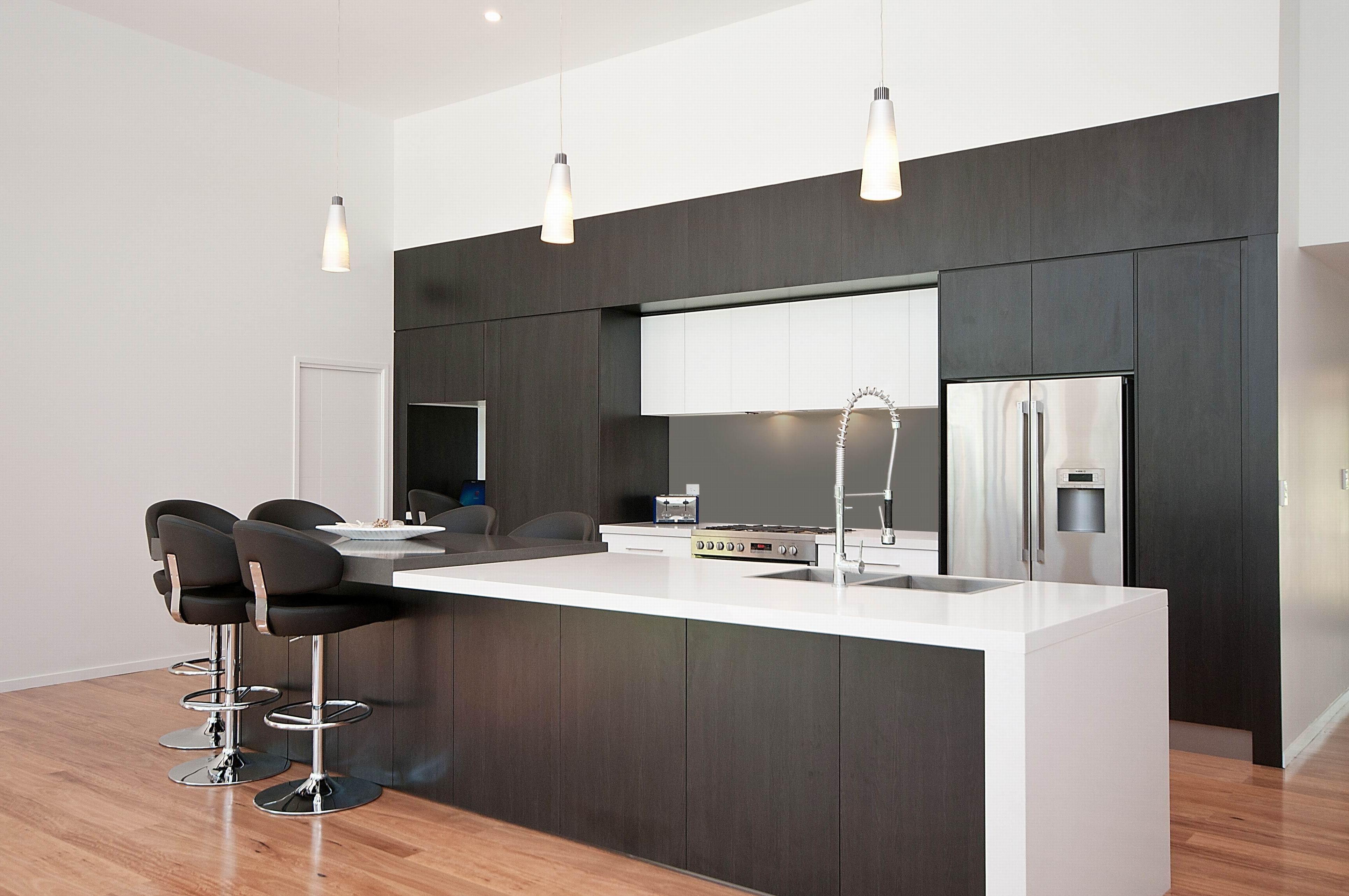 Zwei Getönten Küchenschränke Küche zweifarbig, Graue