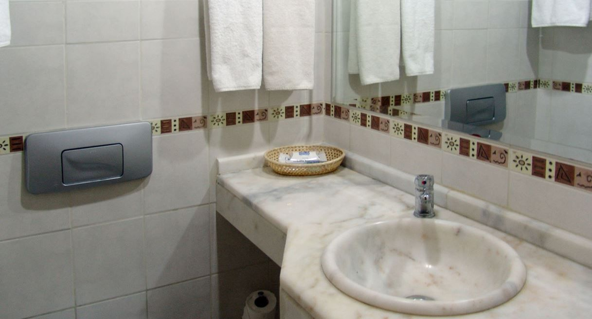 bathroom-layout-ideas-nz