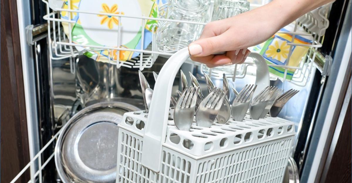 Diese AlltagsGegenstände kriegt ihr in der Spülmaschine