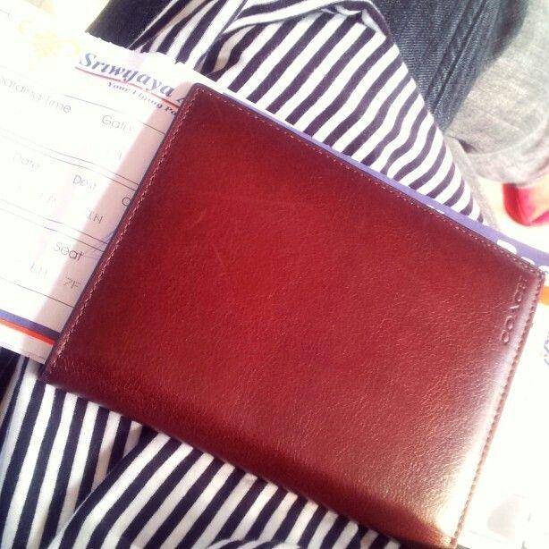 classic coach passport case