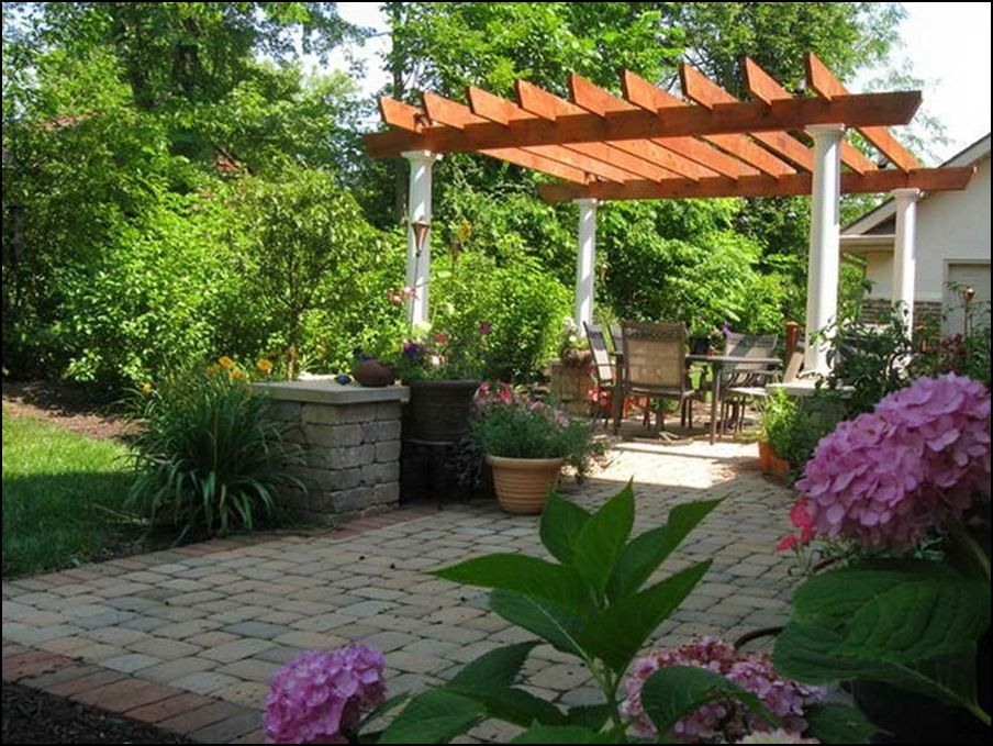 Beautiful backyard patio landscaping ideas home and real for Easy garden patio ideas