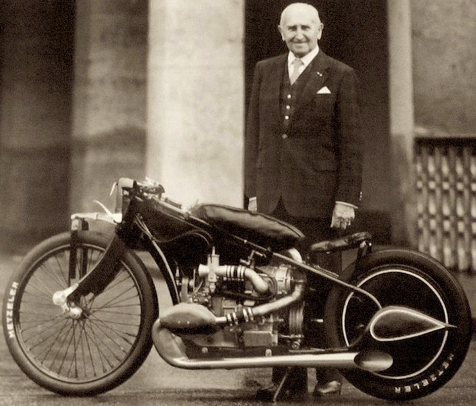 ERNST HENNE'S SUPERCHARGED BMW R37