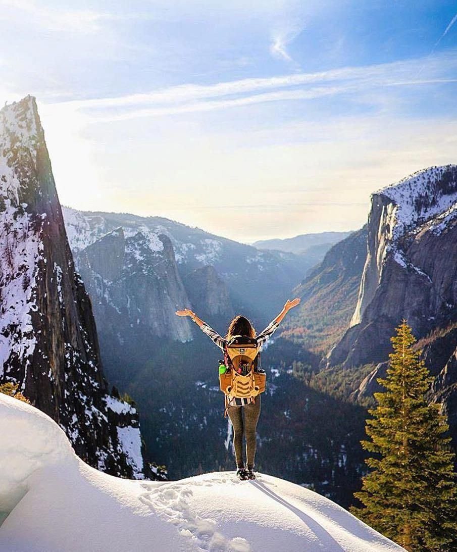 Overlooking Yosemite National Park from 4 Mile Trail Photo ...