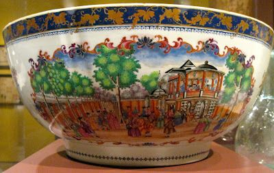 Punch bowl showing Vauxhall Gardens and London Foundling Hospital. Jingdezhen, China, c1800. Porcelain. Winterthur Museum. More info: http://twonerdyhistorygirls.blogspot.com/2012/05/vauxhall-gardens-on-punch-bowl-c-1800.html