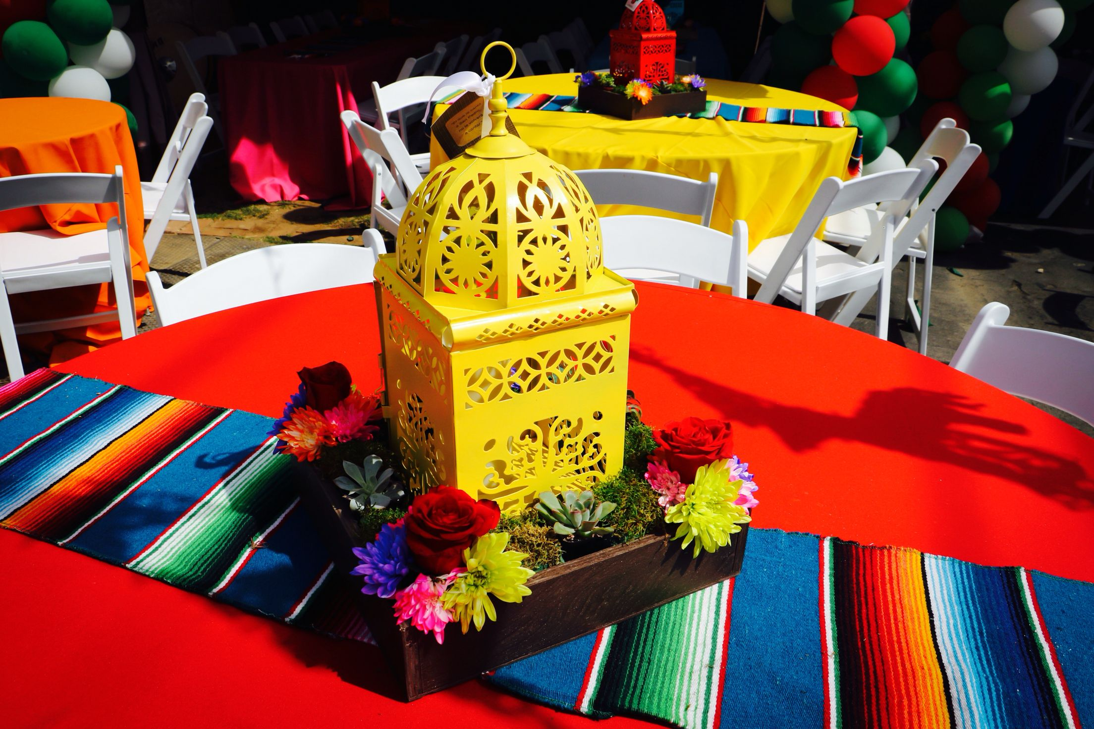 Fiesta centerpiece mexican centerpiece lanterns for Christmas table cover ideas