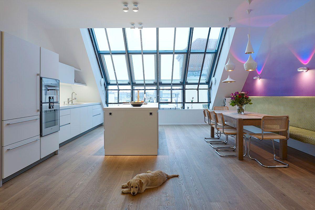 Grosse Dachflachenfenster Stahlrahmen Unter Denkmalschutz Dachflachenfenster Dach Stahlrahmen