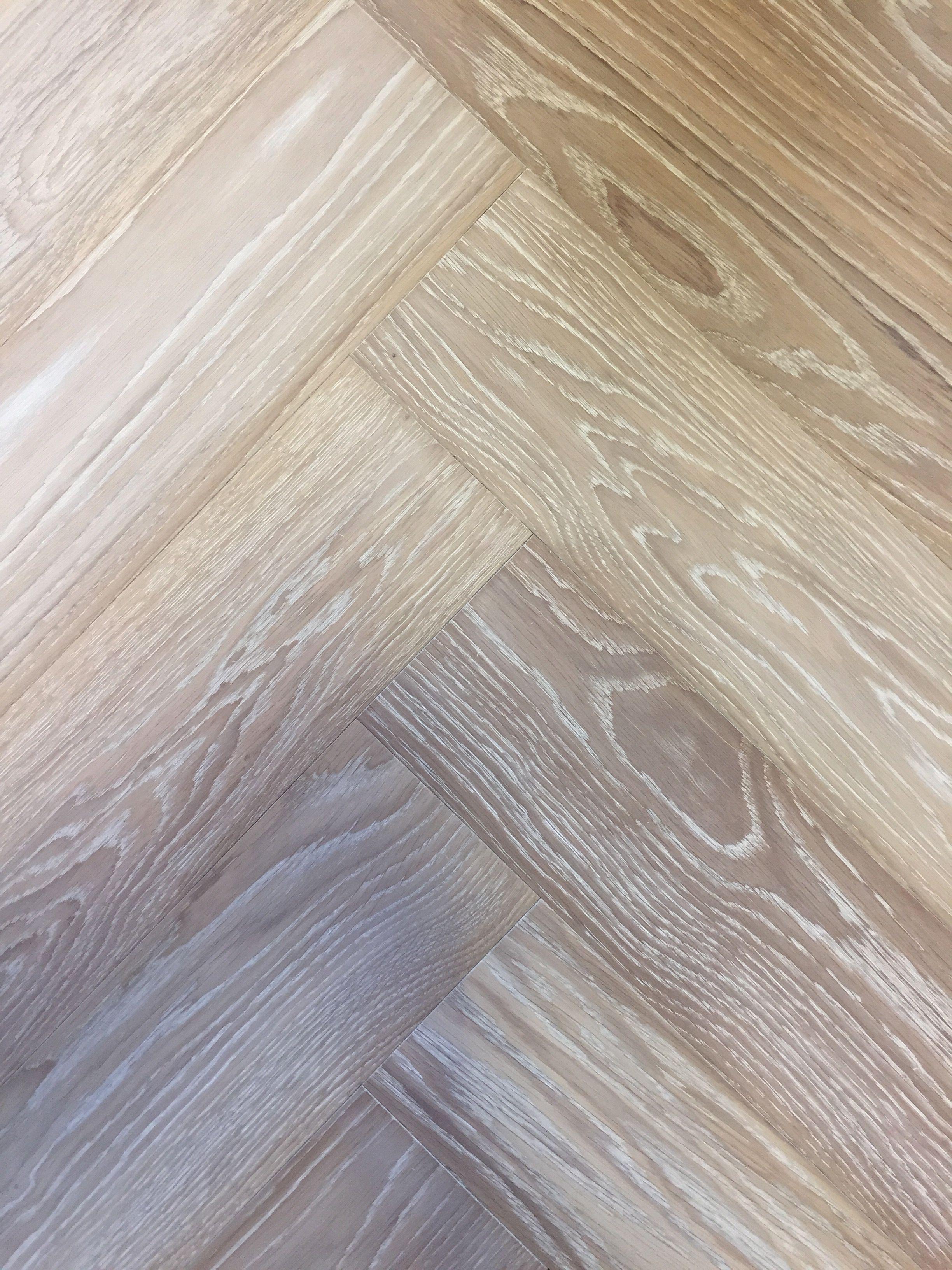 Russian White Oiled Engineered Herringbone Parquet Flooring With White Pores