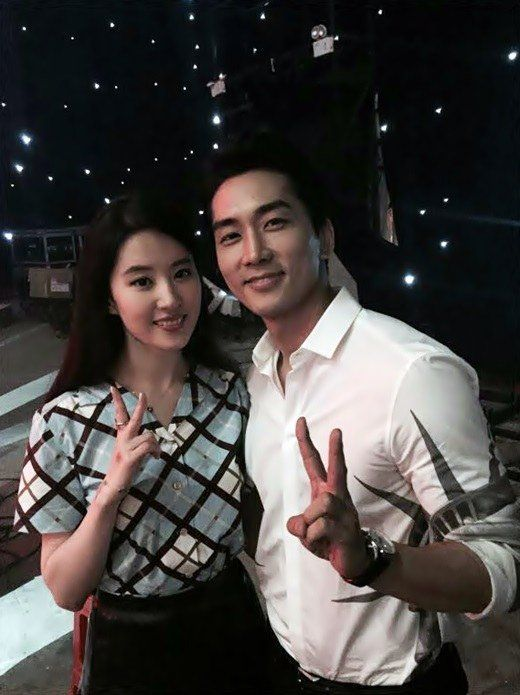 Song Seung Heon Proposes To Liu Yifei Song Seung Heon Chinese Tv Shows Songs