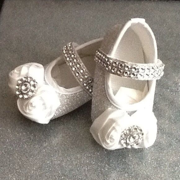 Infant Bling Crib Shoes in Silver/White