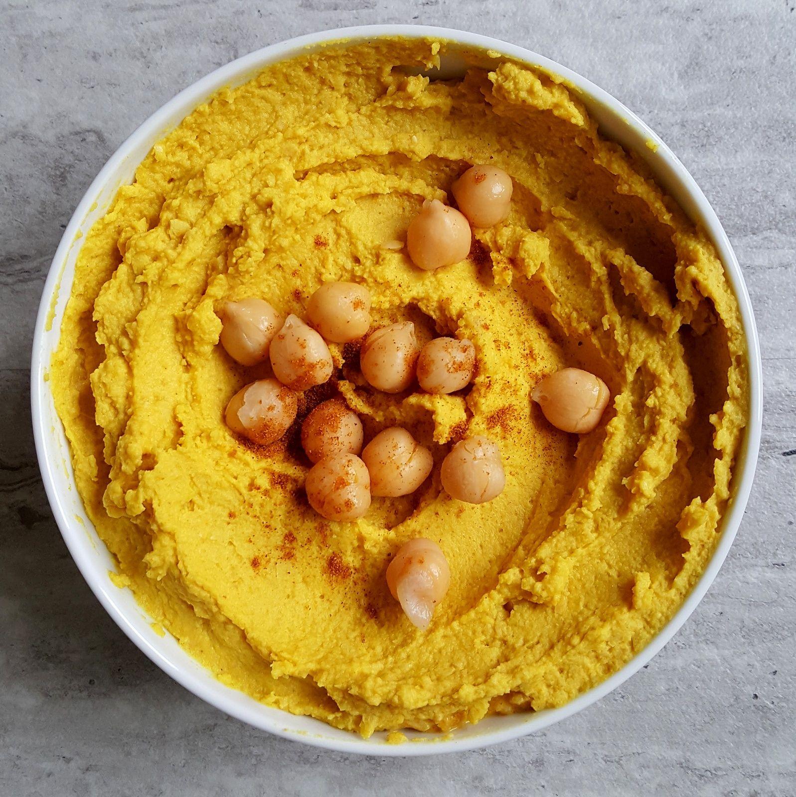 Dyniowy hummus to bardzo zdrowy i jednocześnie smaczny dodatek do kanapek lub dip do warzyw. Zobaczcie jak szybko go przygotujecie.