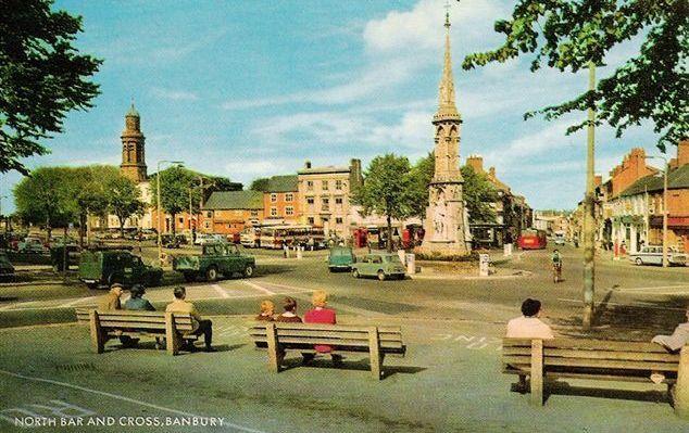 Banbury Cross and North Bar, Banbury, Oxfordshire
