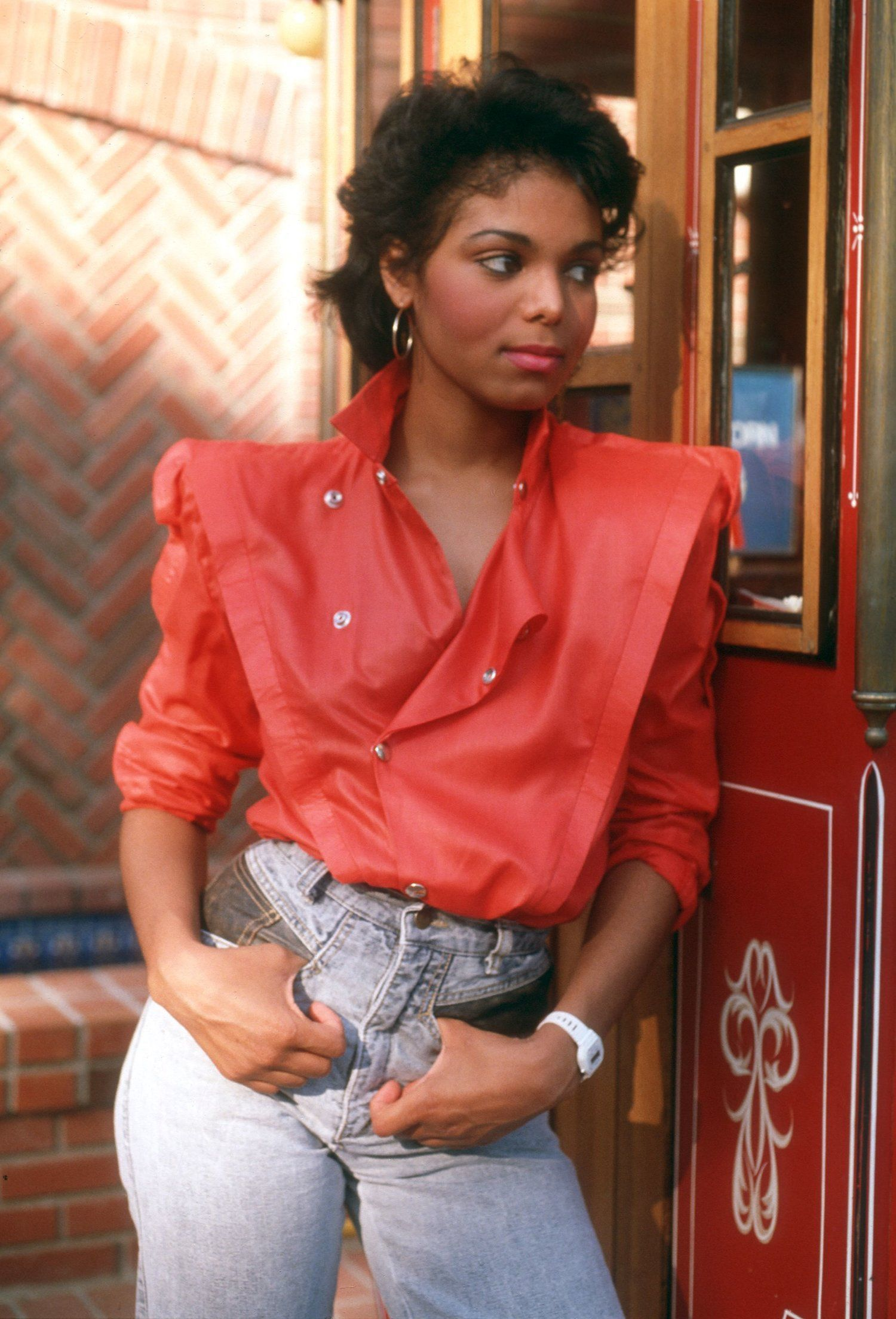11 Affordable 80s Jeans Your Fave 80s Style Icons Would Totally Wear #throwbackoutfits 80s fashion, 80s aesthetic, 80s party outfit, 80s fashion outfits, 80s nostalgia, 80s style, 80s outfits, 80s clothes, 1980s, 80s costume, denim, denim jeans, denim outfit, throwback outfits, retro fashion, retro aesthetic, retro clothes, retro style, janet jackson 80s, janet jackson style, janet jackson outfits, janet jackson style #janetjackson #throwbackoutfits