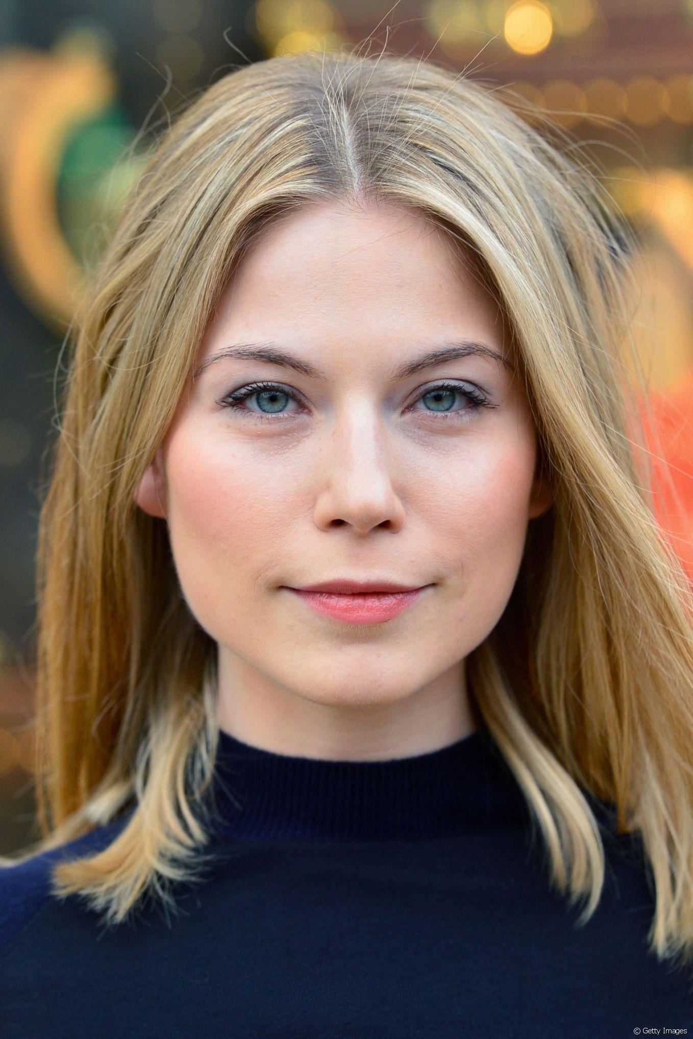 Nora von Waldstätten | Nora von waldstätten, Wunderschöne