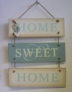 Home Sweet Home Sign With Hanging Hearts Pallet Ideas Easy Pinterest On The Side Sweet Home And Diy And Crafts Diy Signs Home Signs Hanging Hearts