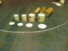 Dollhouse Miniature Meubelen - Tutorials | 1 inch mini's: 1 inch schaal UITSTEKENDE KAART STOCK BUS SET - Hoe maak je een 1 inch schaal vintage bus ingesteld van karton te maken.