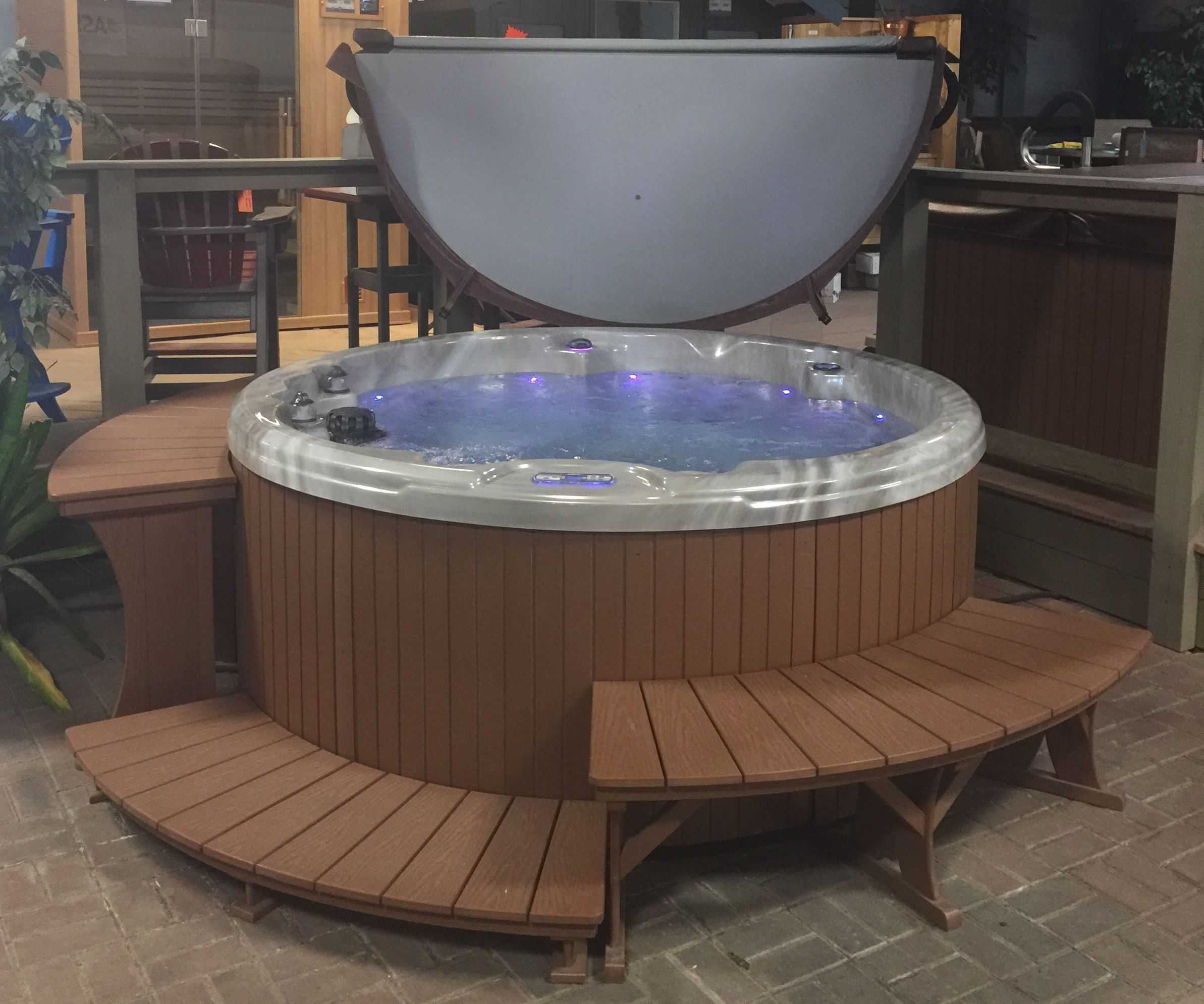 The Lovable Northstar Gs Built By Aspen Spas In St Louis Mo Shown With Option Surround Package From A B Accessories And Covermate F Spa Hot Tub Custom Build