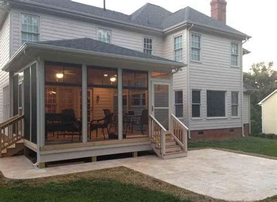 12 Cozy Farmhouse Screened In Porch Design Ideas in 2020