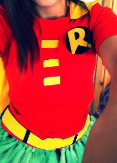 DIY Halloween costume Robin Handmade shirt  No sew glittering green tule tutu ❤