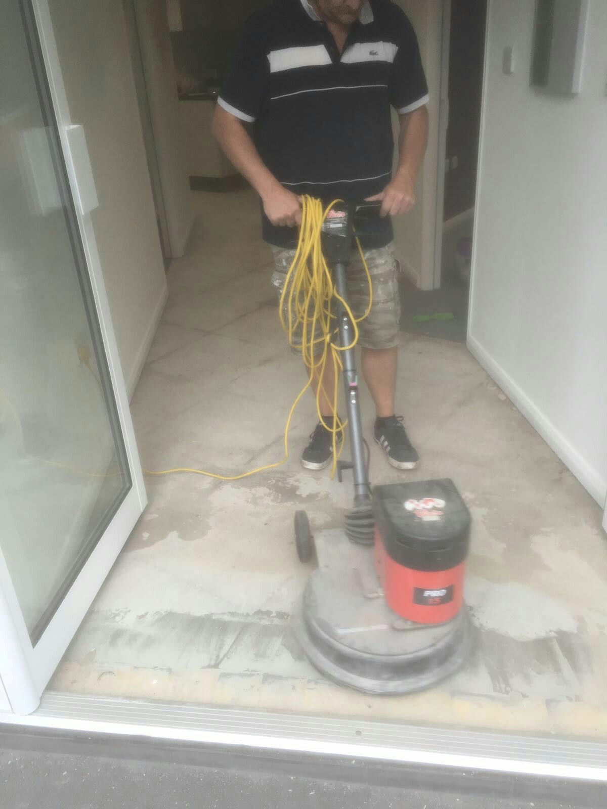 After The Screed The Floor Is Buffed Office Flooring Carpet Tiles - Buffing ceramic tile floors