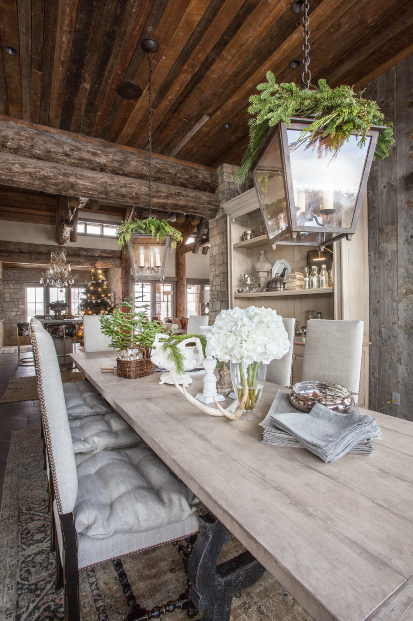 5 Tips For Perfecting Your Holiday Home Decor From Designer Anne