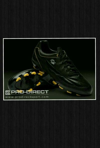b859783b79a4 Pele football boots football kicks pinterest football soccer jpg 400x588  Pele brand shoes