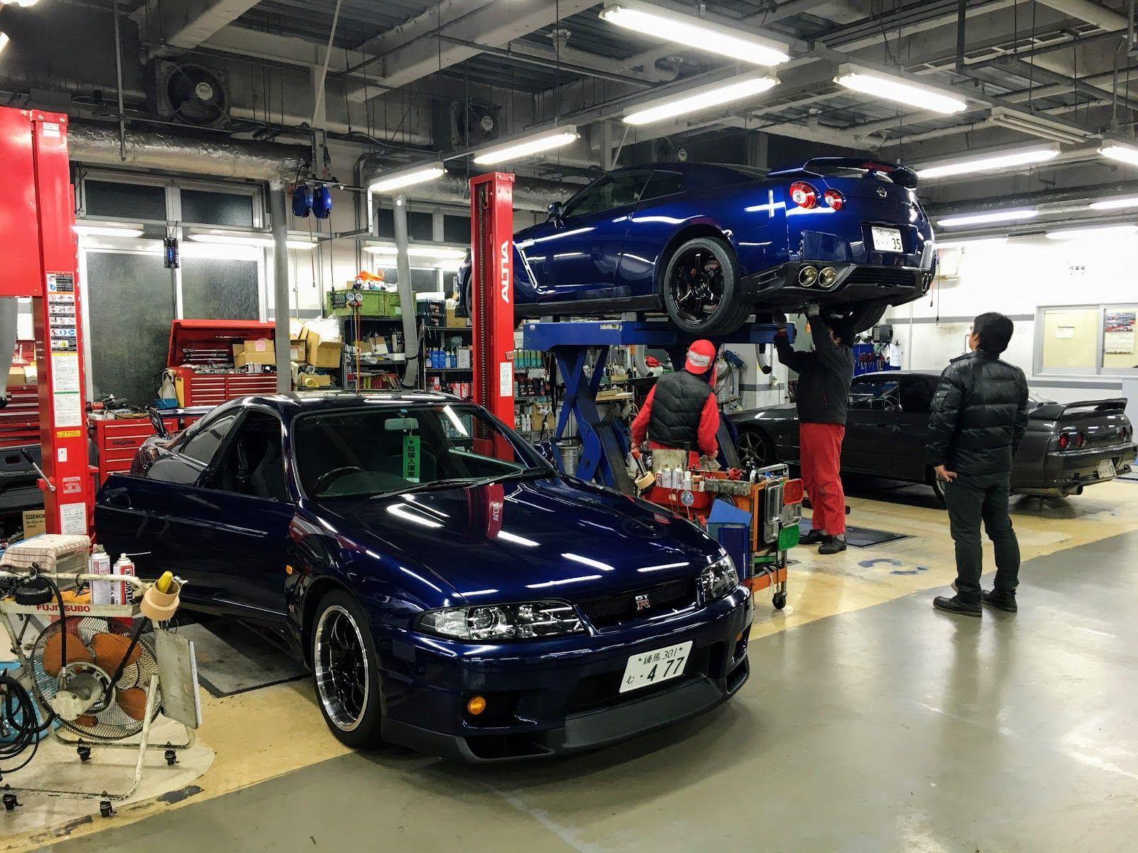 Bnr34 Workshop Bnr34 Gt R Visit To Npct New Parts And Nissan Fast Nissan Nissan Skyline Garage Design Interior