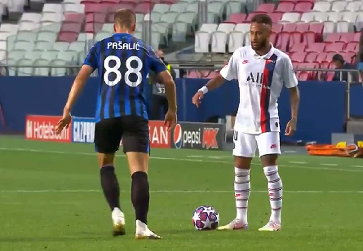Gif Neymar Nutmeg Vs Pasalic Witty Futty In 2020 Neymar Football Champions League