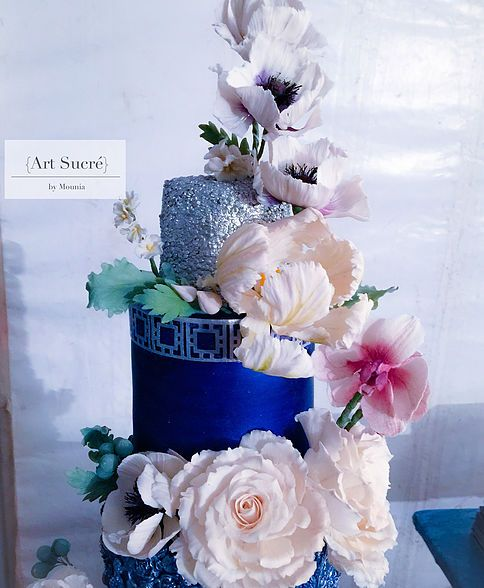 Sugar flowers and bas relief - blue and silver wedding cake -Art Sucré by Mounia