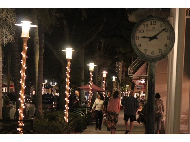Night life in Downtown Naples! #NaplesSquare