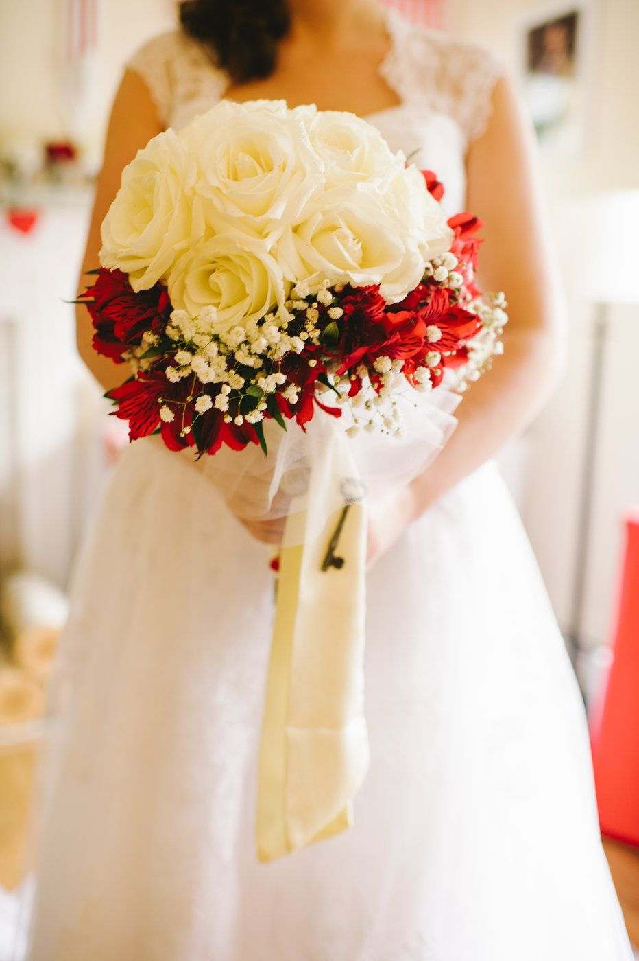 Red and white bouquet weddingsproms pinterest white bouquets