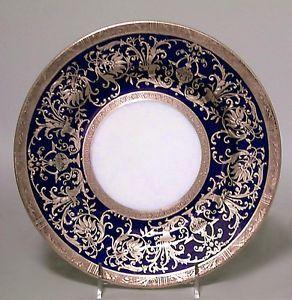 Set-of-12-English-Victorian-cobalt-blue-porcelain-and-gold-rimmed-dinner-plates