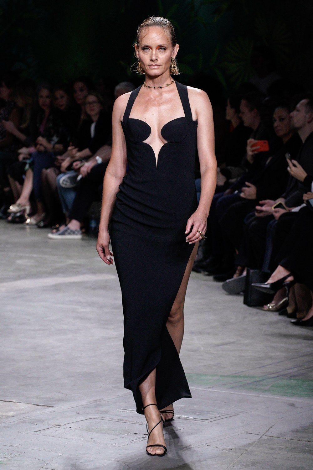 Versace Spring 2020 Ready to Wear Fashion Show | Stile di